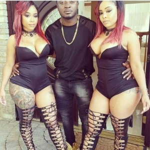 Photo: Singer MC Galaxy Poses With Sexy Twins In Skimpy Attires